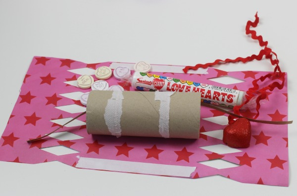 Valentines surprise crackers 2