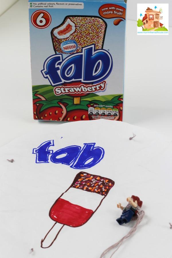 fan minifigure parachute 1