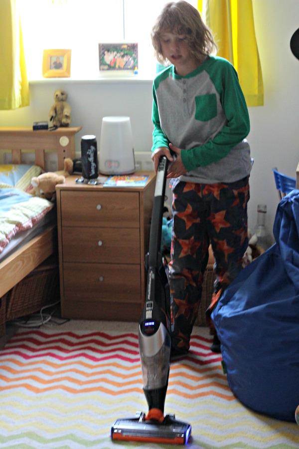 maxi vacuuming 2