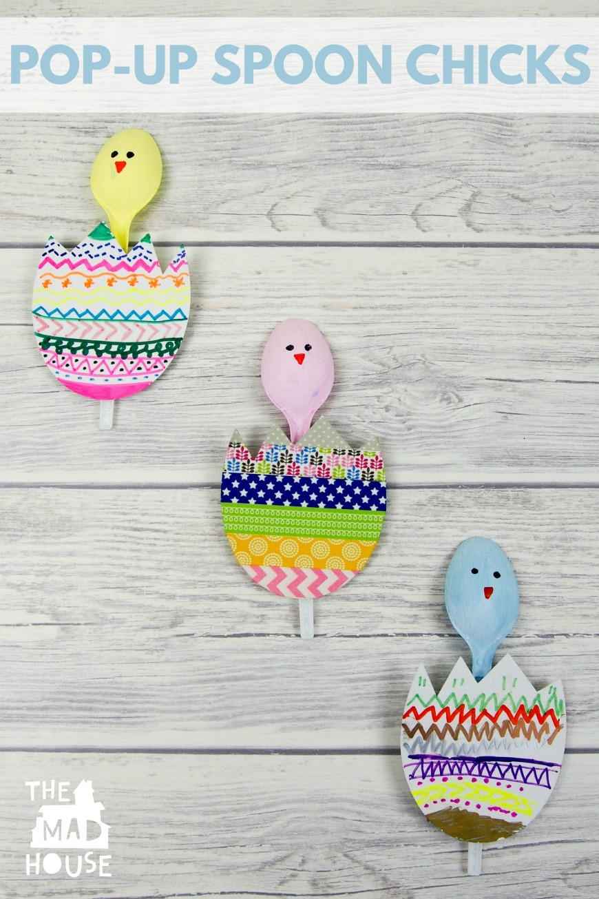 These Pop-up Spoon Chicks are a super fun Spring and Easter crafts for kids.  They are perfect for recycling plastic spoons.  A fun and simple DIY kids craft that is great for celebrating Spring.