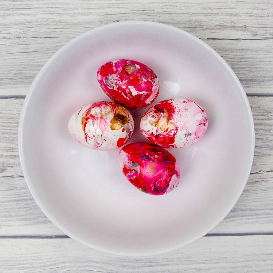 It is so easy to marble eggs with mail varnish.  You get an amazing effect and it is totally addictive, perfect for Easter.  Beware once you start marbling you will be doing it to everything including cups, vases and plates!  A super simple DIY craft that is perfect for tweens.