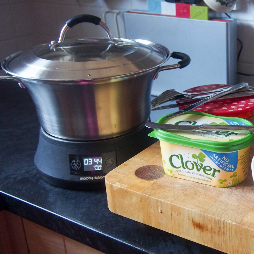 Slow cooker Jacket Potatoes with Clover