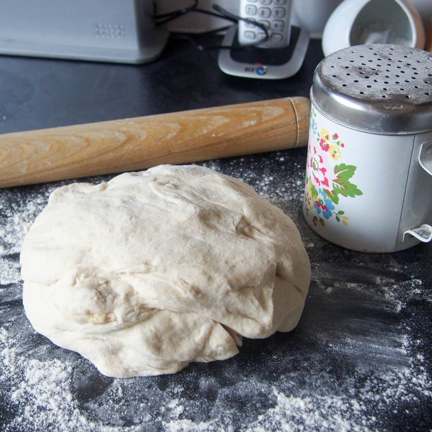 How to make the perfect bread maker pizza dough - babies blog