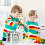 10 Tips for cooking with Siblings