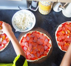Homemade Pizza Recipe - Cooking with Kids