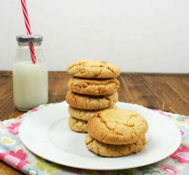 White Chocolate Chip Cookies - Cooking with Kids