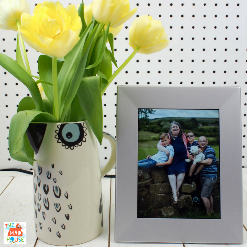 The Perfect Mother's Day Idea – Nixplay Iris Photo Frame