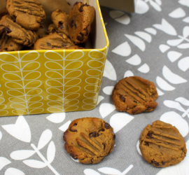 No Added Sugar Peanut Butter and Chocolate Cookies
