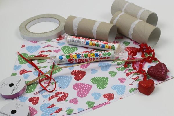 Valentines surprise crackers 1