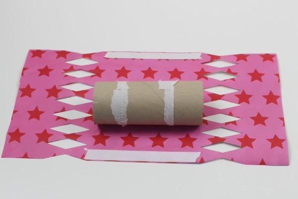 Valentines surprise crackers 3