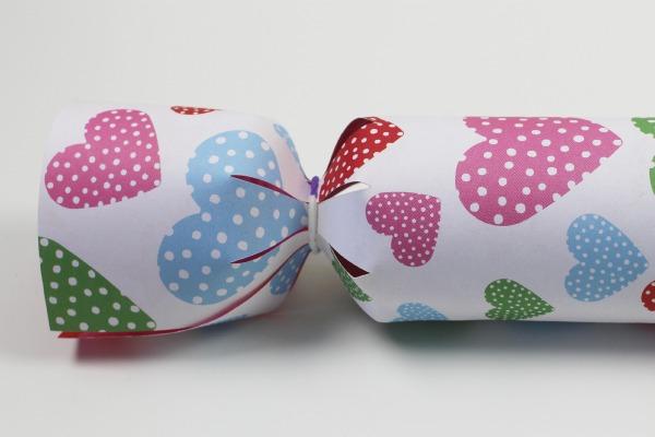 Valentines surprise crackers 5