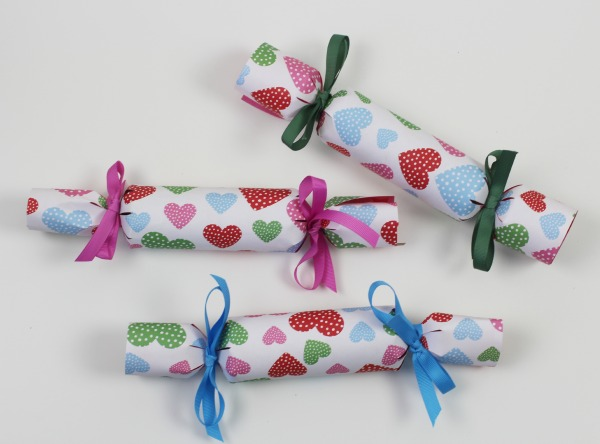 Valentines surprise crackers 6