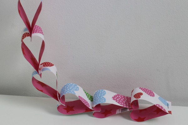 heart shaped paper chains 4