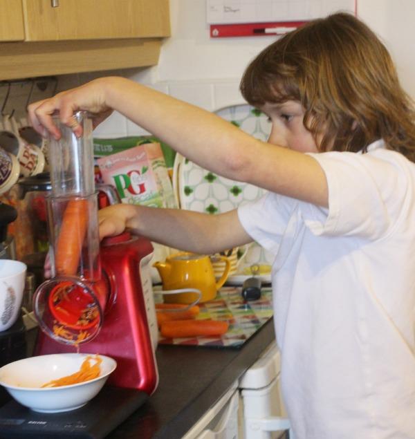 mazi grating carrots