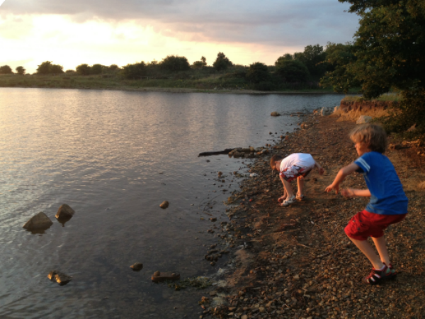 skimming-stones