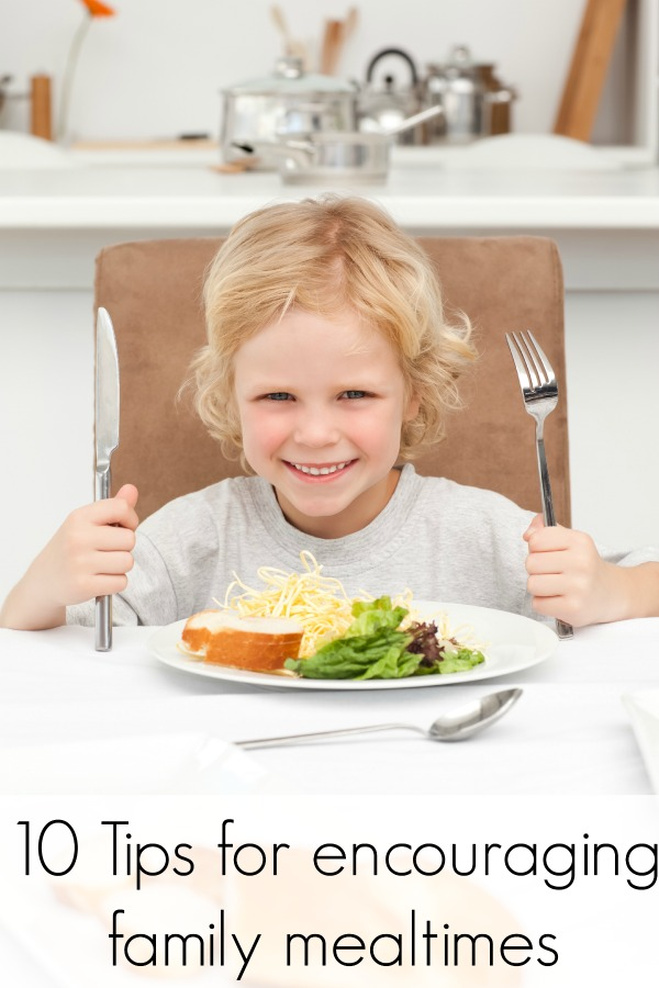 10 Tips for encouraging achievable family mealtimes