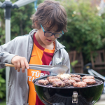 Homemade burgers – cooking with kids