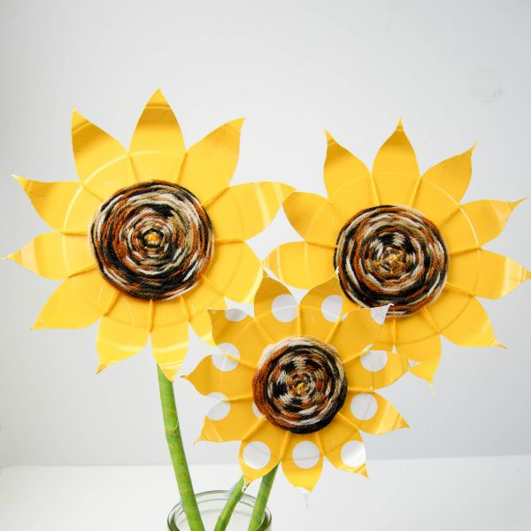Paper plate sunflower & Paper plate weaving - Mum In The Madhouse