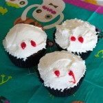 Vampire Bite Cupcakes for Halloween – Cooking with kids