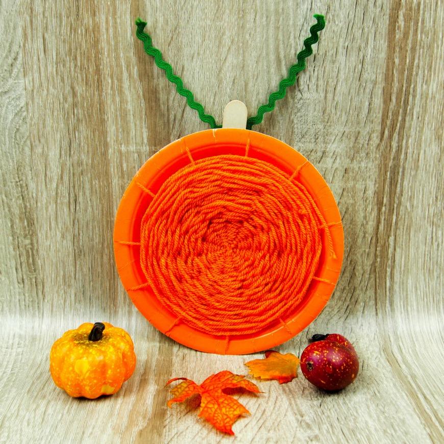 Pumpkin paper plate weaving & Pumpkin paper plate weaving - Mum In The Madhouse