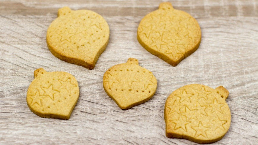 httpwww.muminthemadhouse.comwp-contentuploads201512Tea-flavoured-Shortbread-Recipe-1-870x580.jpg facebook