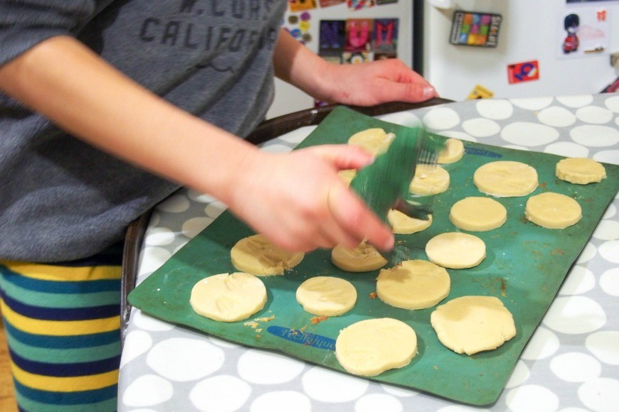 These Dinosaur footprint shortbread are super simple to make with kids and only have three ingredients.