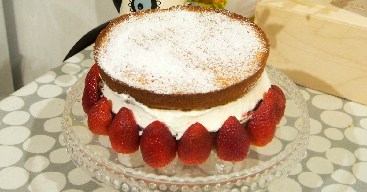 The Perfect Victoria Sponge Cooking With Kids