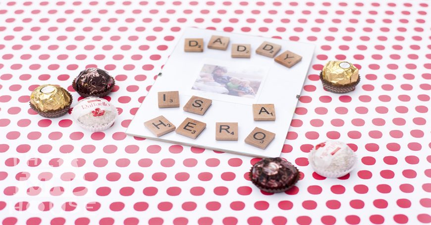 How to make a Pocket Money Photo Frame for Fathers' Day. This adorable DIY craft is perfect for children to make for their Dad's for Fathers' Day or their birthday. It is simple, inexpensive and easy to adapt for children of all ages and abilities.