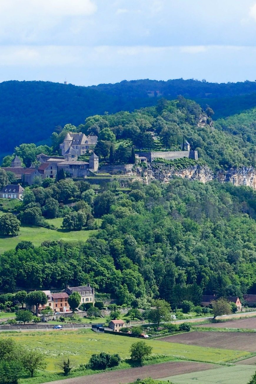 Domain de Mathevies - a true hidden gem of a place to say in the Dordogne, France. A fantastic family campsitewhich caters for all the family, kids and adults alike.
