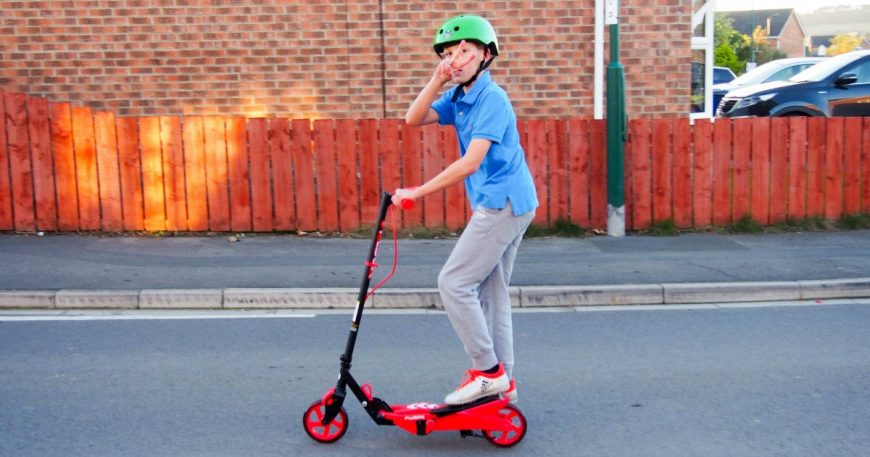 yvolution-y-flyer-scooter-review-facebook