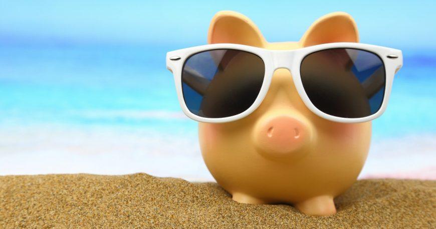 Holiday Hacks to Save Money - 18 Insanely Easy Ways to Save Money on your Travel and Holiday Costs