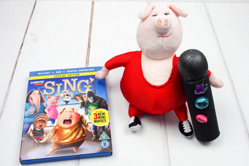 Make a Toilet Roll Microphone for the SING Movie