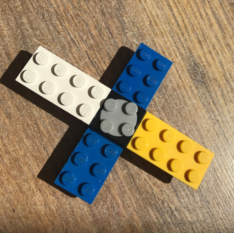 Even Younger Children Want To Play With Spinners And This Super Simple LEGO Fidget Spinner Is Perfect For Make Themselves