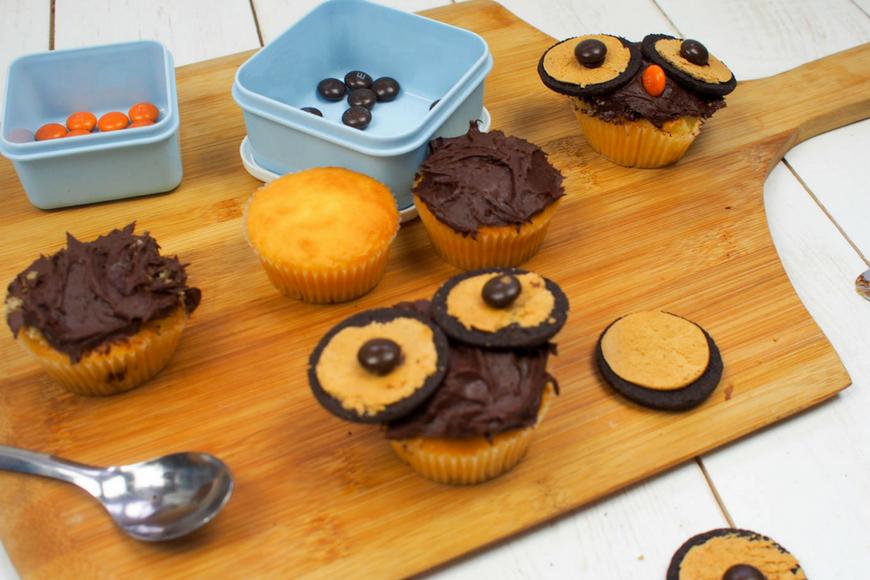 How to makeOreo Owl Cupcakes