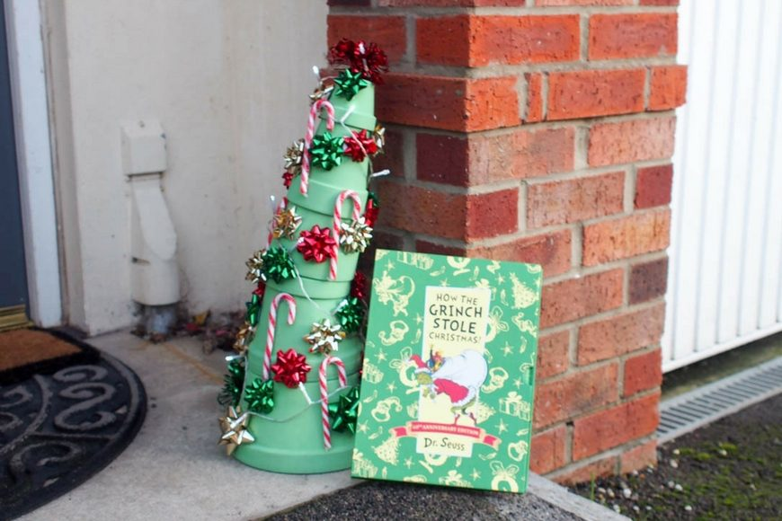 how to make a whoville christmas tree - How The Grinch Stole Christmas Decorations
