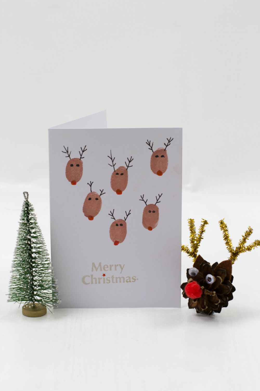 Fingerprint christmas cards mum in the madhouse for Reindeer christmas card craft