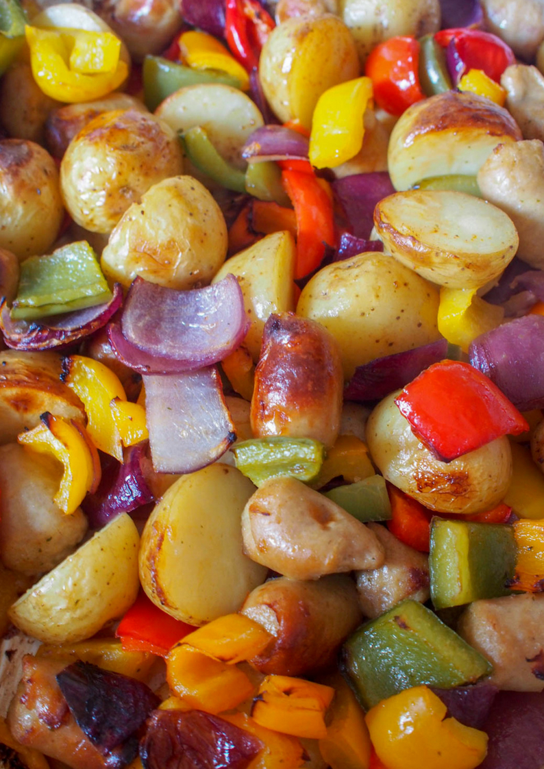 This mouthwatering mix of chicken sausages,freshvegetables, potatoes, and spicesis easily made in one pan and full ofhearty, healthygoodness. Just chop it, toss it and roast it! Voila, your delicious dinner is done. Andas a bonus, your home smells amazing. Making a perfect midweek meal.