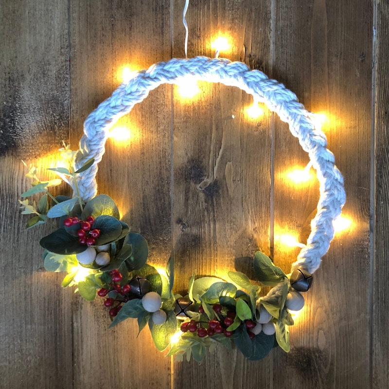 I love a wreath, I think they are a great way to show your personality through decorations and I also love making them. This Scandinavianinspired braided wreath was inspired by a tiny decoration I spotted in a local store and also the perfect Ikea Hack.