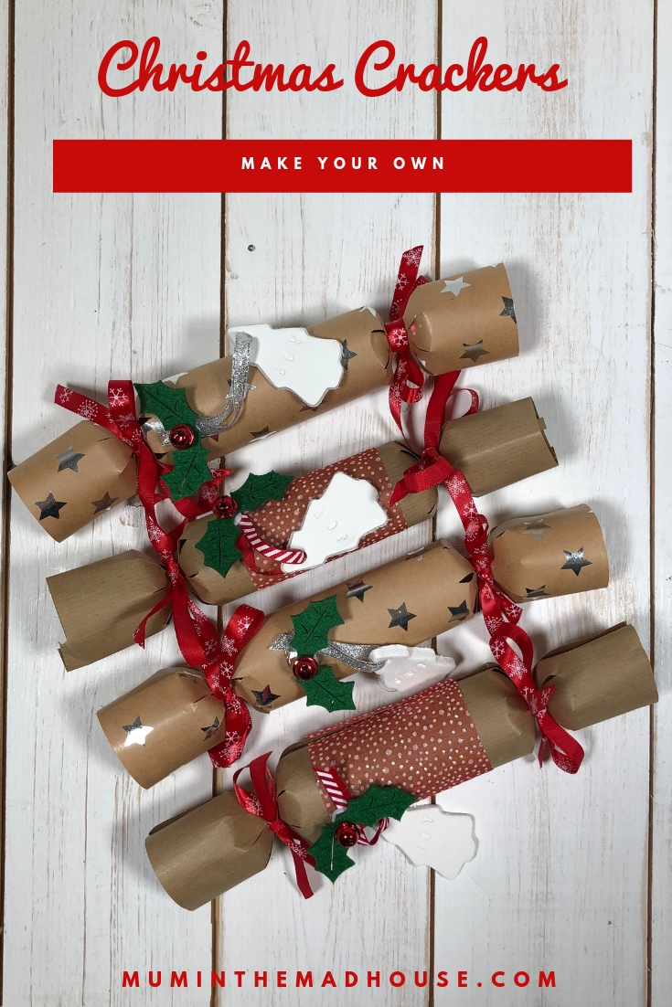 I am a big fan of Homemade Christmas Crackers, I love the excitement and anticipation of pulling a cracker at Christmas. So why not make Christmas Day go with a bang by making your own Homemade Christmas crackers. They are super simple to make and you can add your own unique gifts, jokes and party hats in order to personalise your Christmas Day. I know it is super easy it is to pick up a ready-made box from any supermarket but I love how making crackers adds some wow factor to Christmas. Download your free template