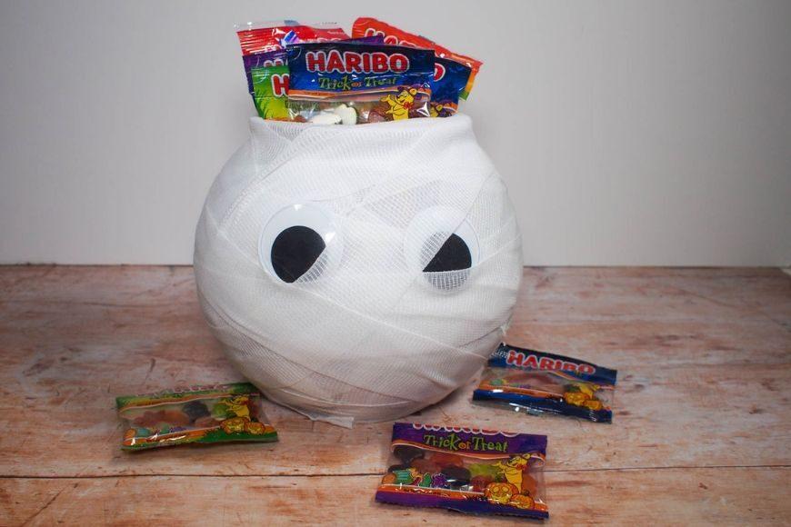 DIY Halloween Mummy Trick or Treat bowl