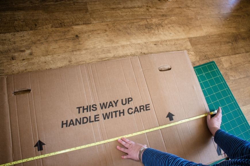 This image has an empty alt attribute; its file name is How-to-Make-a-Foldable-Cardboard-Box-Car-with-free-printables.jpg
