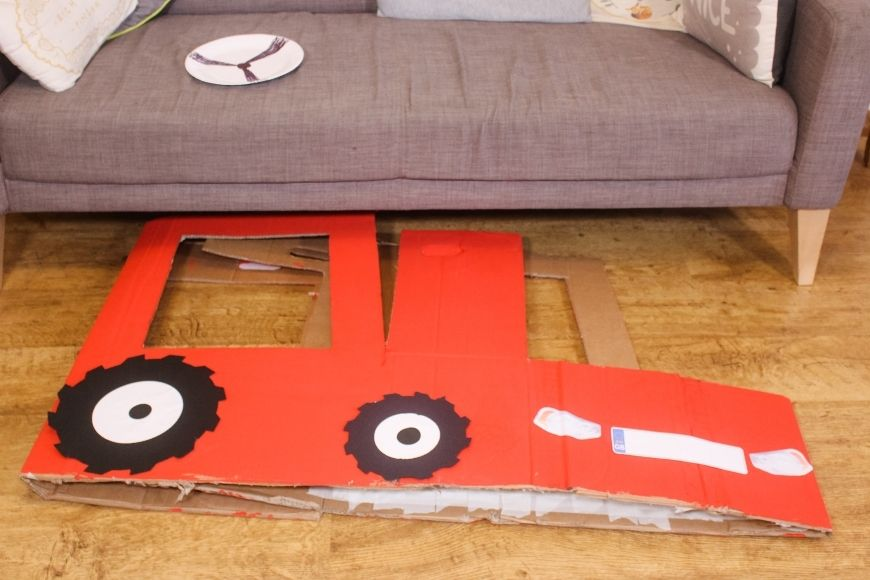 How amazing is this DIY Cardboard Box Tractor that folds flat for storage. Yes it even fits under your sofa. This tutorial also comes with fab free printables.