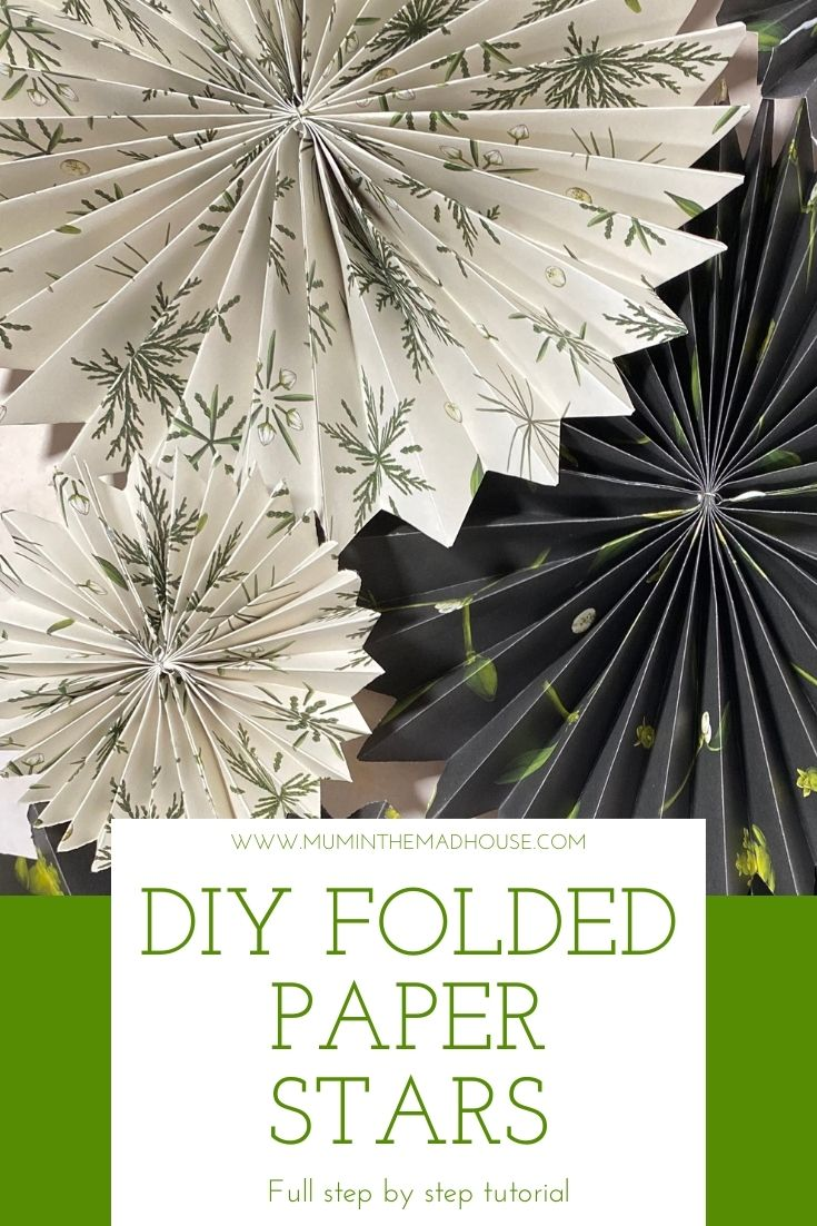 These accordion folded paper stars are so simple to make but look amazing. Such an addictive Christmas craft with easy to follow instructions.