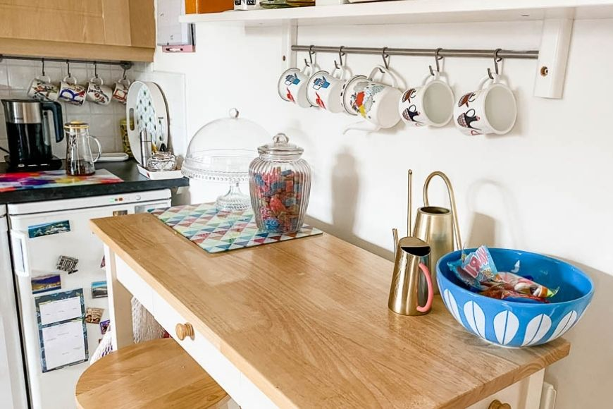 Learn how to clear your clutter once and for all with our simple to follow clutter cleaning strategies perfect for families.