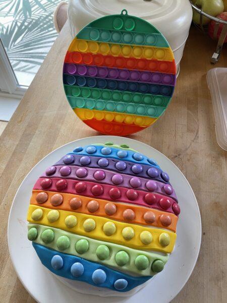 Bubble popper birthday cake for kids