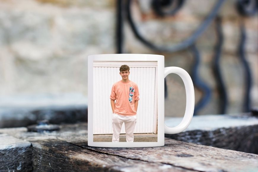 Share the moments that matter with these great DIY photo gifts for grandparents. Add the personalised touch to your gift giving.