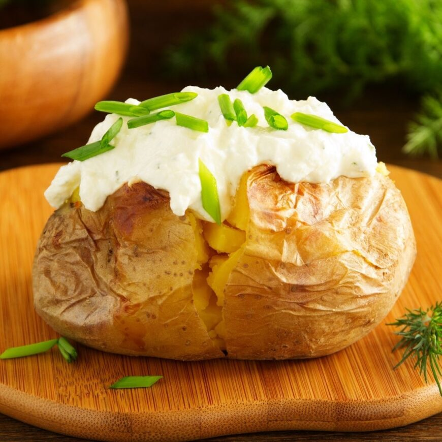 Jacket Potatoe with sour cream and chives